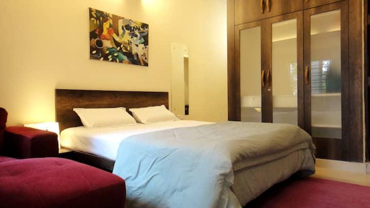Le Pergola - Old Bangalore Room /w High-speed WiFi