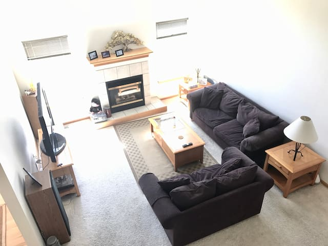 Home Near BUDweiser Event Center & Fort Collins - Windsor - House