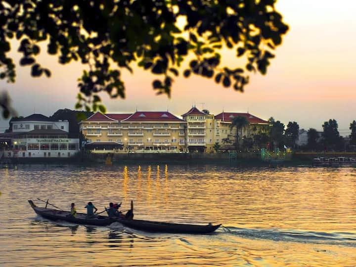 Suite Room in Luxury 5 Star Hotel on Mekong River