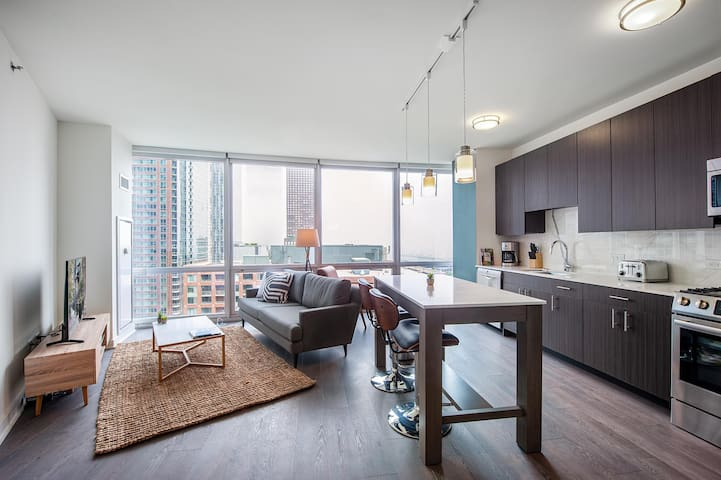 Comfy Streeterville 1BR w/ Pool + Lounge near Navy Pier by Blueground
