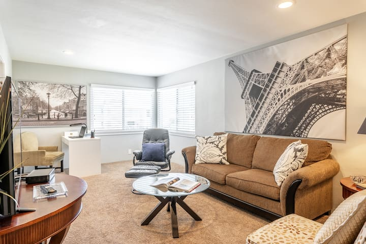 Delightful Beauty! large apartment in San Carlos