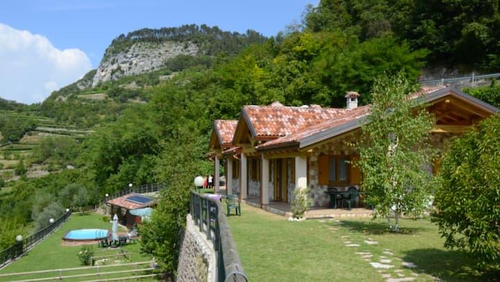 Rustico, Casa vacanze nel verde