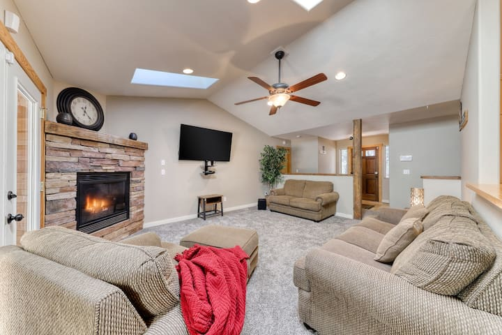 Inviting & peaceful dog-friendly home in the pines w/ a private hot tub!