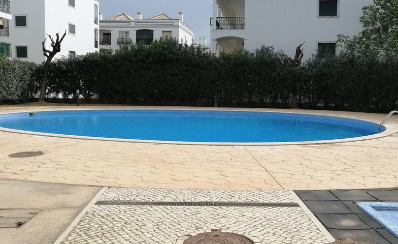 Apartamento no Monte Verde com piscina