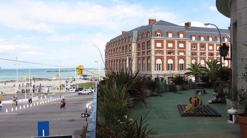 Habitación en Dpto. Centrico, al Mar, gran balcón - Mar del Plata - Flat