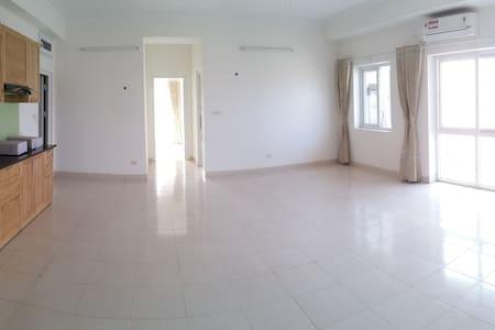 Apartment, 100m2, Hoang Quoc Viet, Cau Giay, Hanoi