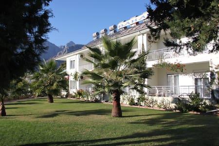 Haus Baharis - Berge und Meer - Kemer