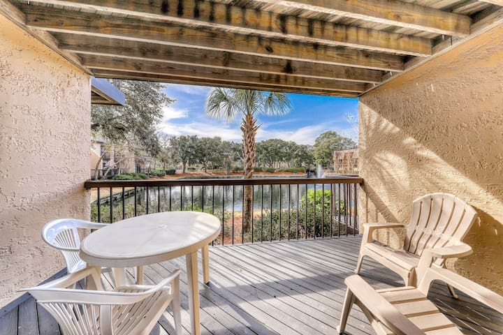 Quiet hideaway with shared pools, hot tub, tennis, and easy beach access.