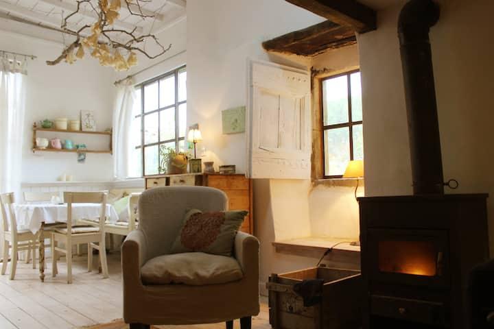 Cosy, independant studio. Sud Ardèche, Cevennes.