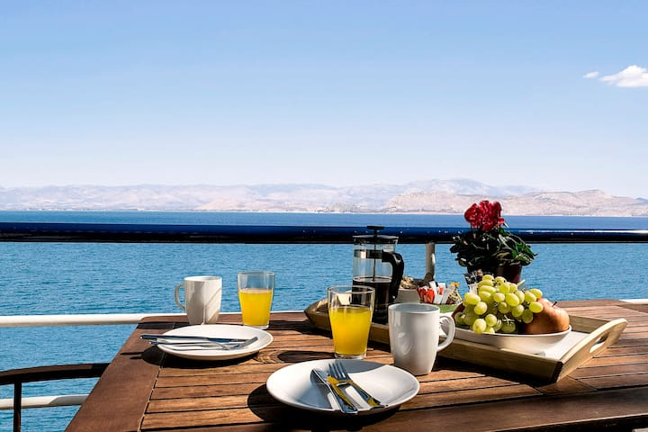 Waterfront Holiday Studio Apartment near Nafplion! - Κιβέρι - Appartement
