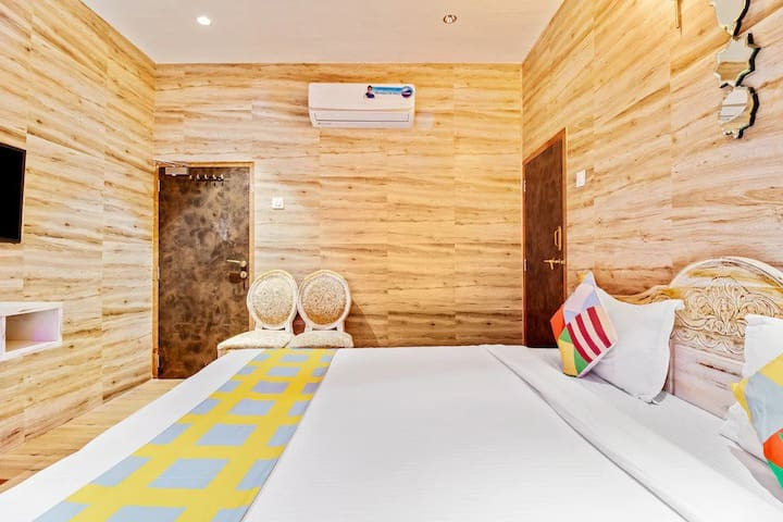 Luxury Suite  AC Room  with a nice view from each room. The rooms are spacious  300 sq feet in size with all modern amenities and are designed as per Luxury Villa standards. It comes with an attached Bathroom,