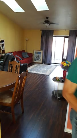 Centrally Located Private Room in Quiet Home - Jacksonville - House