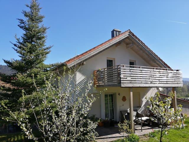 Haus Giverny mit Garten im Bay.Wald