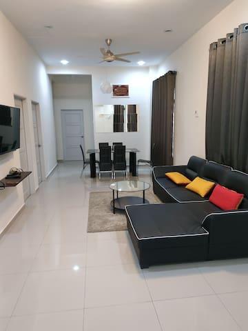 Jasin bestari Melaka Semi - D house 100mbps unifi