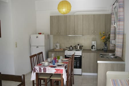 Cosy 4-bedroom Apartment in Stalis - Stalida - 公寓