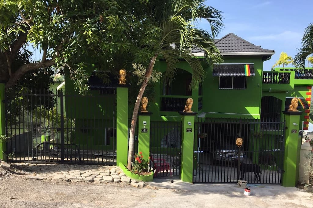 Welcome to Lion Hide Villa