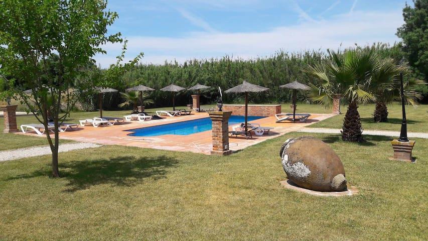 Casa com vista para a piscina, ideal para familias.