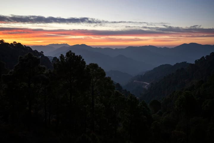 The Kasauli Heights | 2 BHK - By HindustanBnB