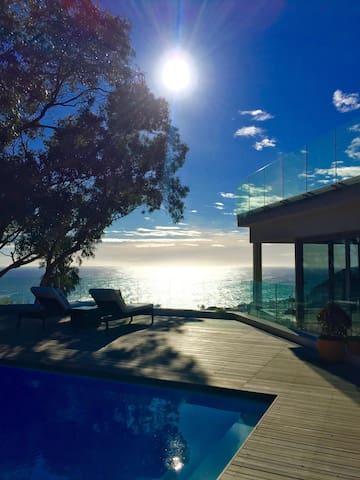 """THE LLANDUDNO""-  Villa with BREATHTAKING Views - Cape Town - Villa"