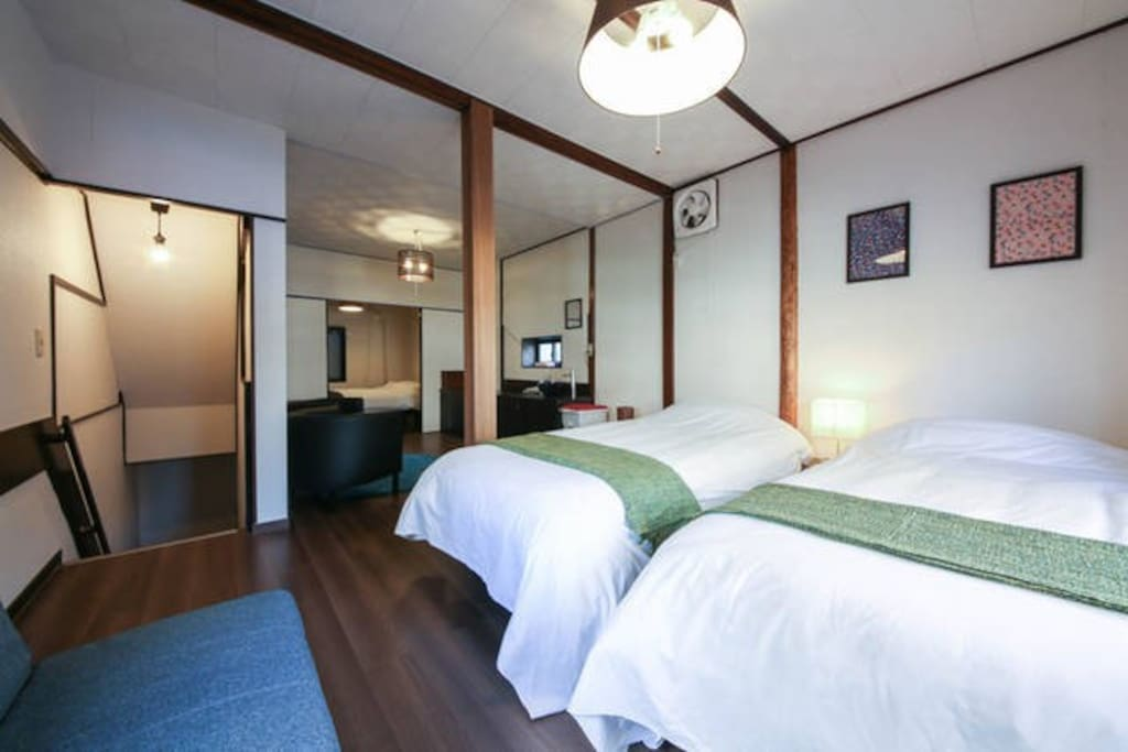 Cozy room at Asakusa.  2nd floor. 2 shingle beds, 1 double beds, 1 sofa beds.