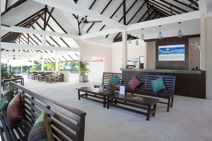 naiharn beach resort - TH - Bed & Breakfast
