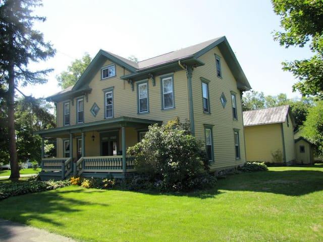 Grand Colonial near Watkins Glen - Odessa
