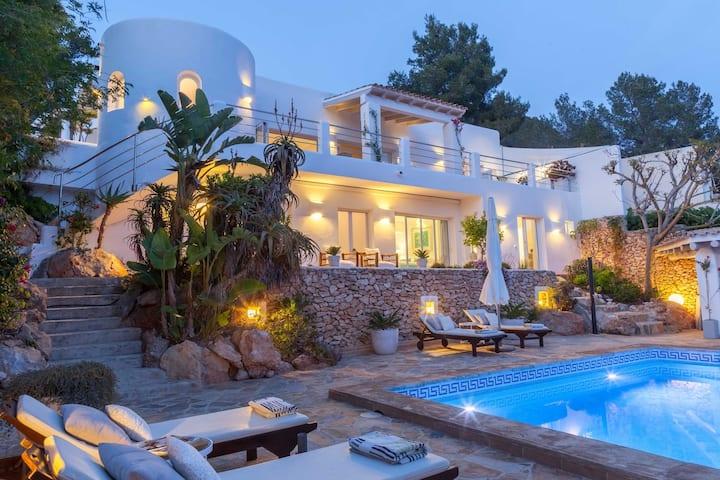 Ibiza Villa with stunning view