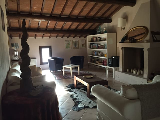 Appartamento in corte storica - nogarole rocca - verona - Apartemen