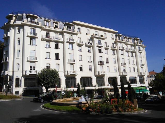 T1 Au Grand Hôtel Châtel Guyon - Châtel-Guyon - Apartamento