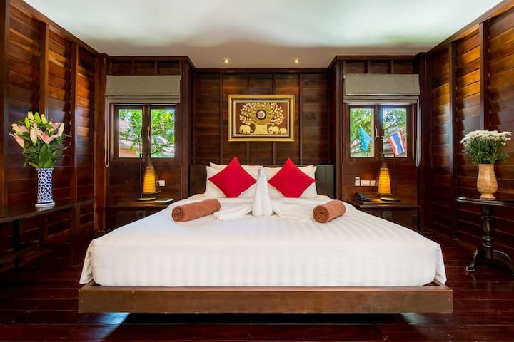 Luxury Garden Villa on Chaweng Beach + Breakfast