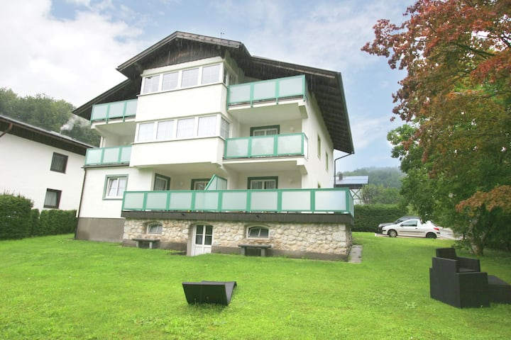 Modern Apartment in St. Wolfgang im Salzkammergut near Lake