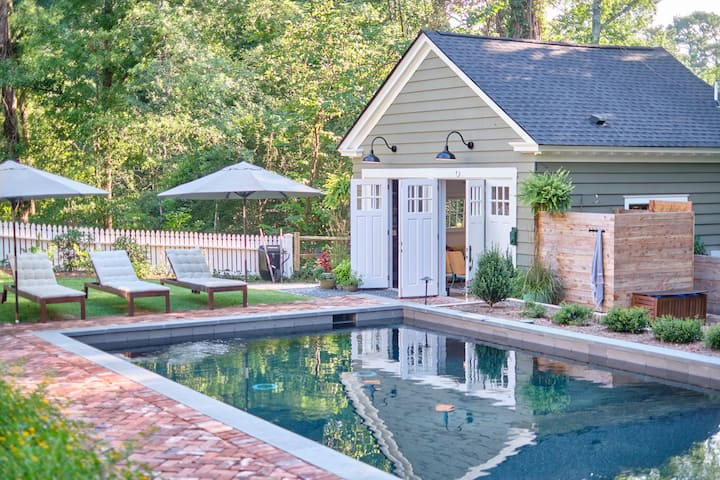 The Sidekick: A Historic Poolside Carriage House