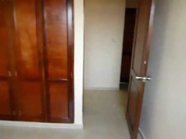 Alquiler Habitación semi amueblada - Pantoja - Leilighet