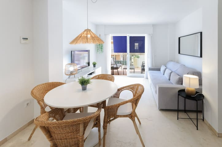 Wonderful apartment with charm, a few meters from the beach.
