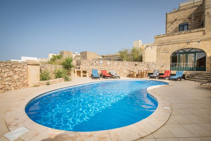 Valley View - Holiday Farmhouse with Private Pool