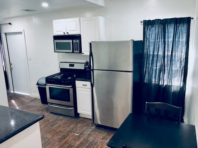 Centinela Mar Vista private apt
