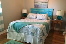 Tranquil- queen bed