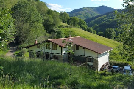 Rural hotel** 1 p B&B Pikukoborda - Lesaca - Bed & Breakfast