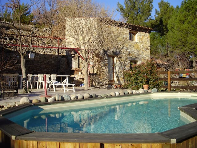Maisonette à la campagne avec piscine