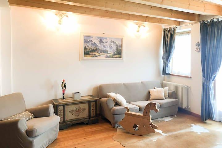 Acogedora casa para la familia | Homely Cortina