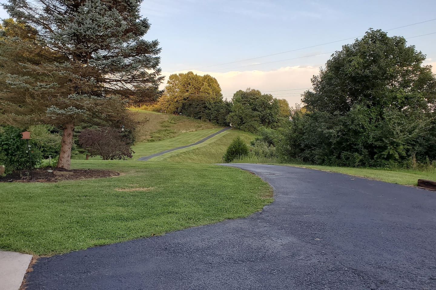 The Long Private Driveway leads to peace and quiet.