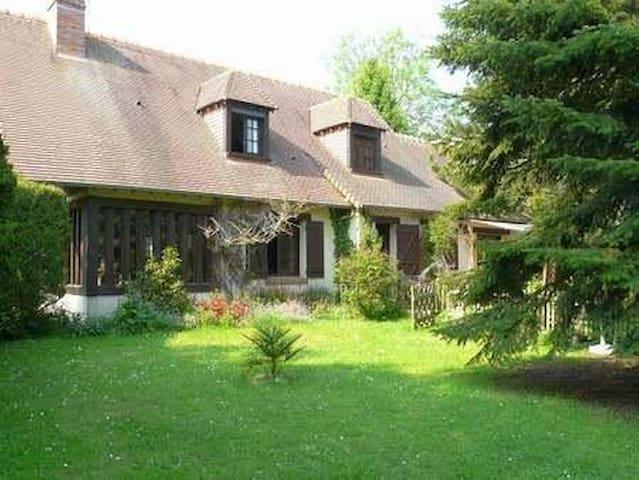 Maison familiale au calme entre Caen et Bayeux