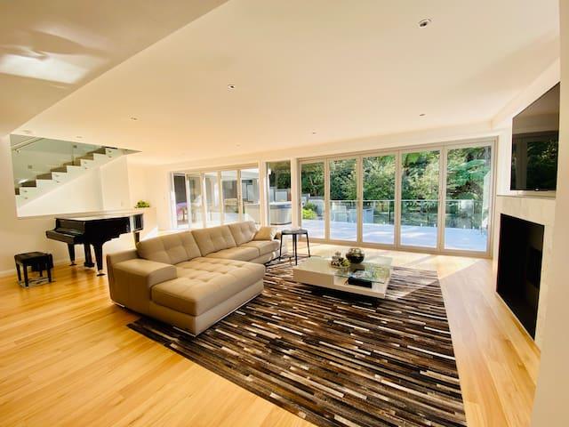 Brand new designer house with stunning bush view