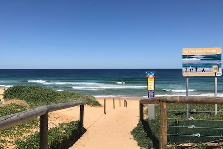 Very close to Beach & SBGolf Club, self contained. - Shelly Beach