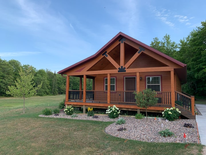 Pictured Rocks Cabins - (Miners King Suite)