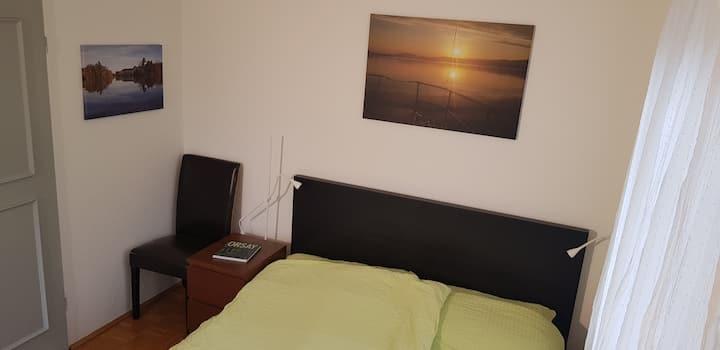 Zimmer mit Balkon & Untersbergblick