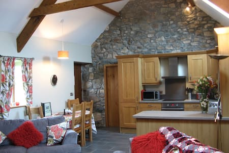 New barn conversion near Abersoch, Llyn peninsula - Rumah
