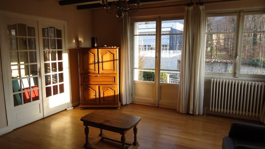 Gières appart 75m² meublé au 1er étage d'une villa - Gières - House