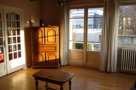Gières appart 75m² meublé au 1er étage d'une villa - Gières
