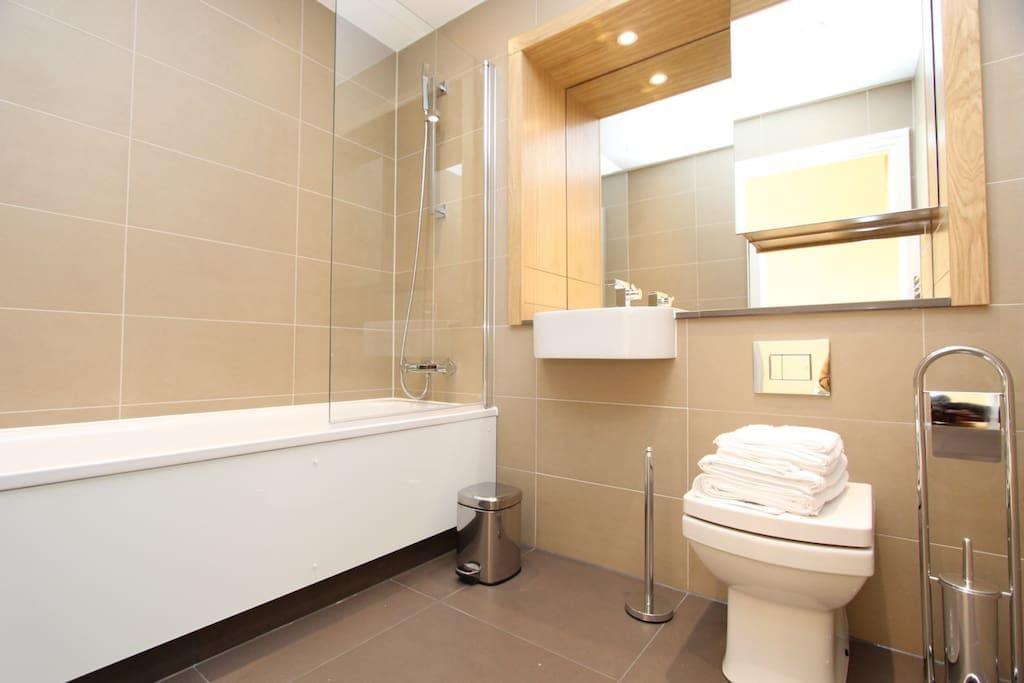 BIG PRIVATE BATHROOM